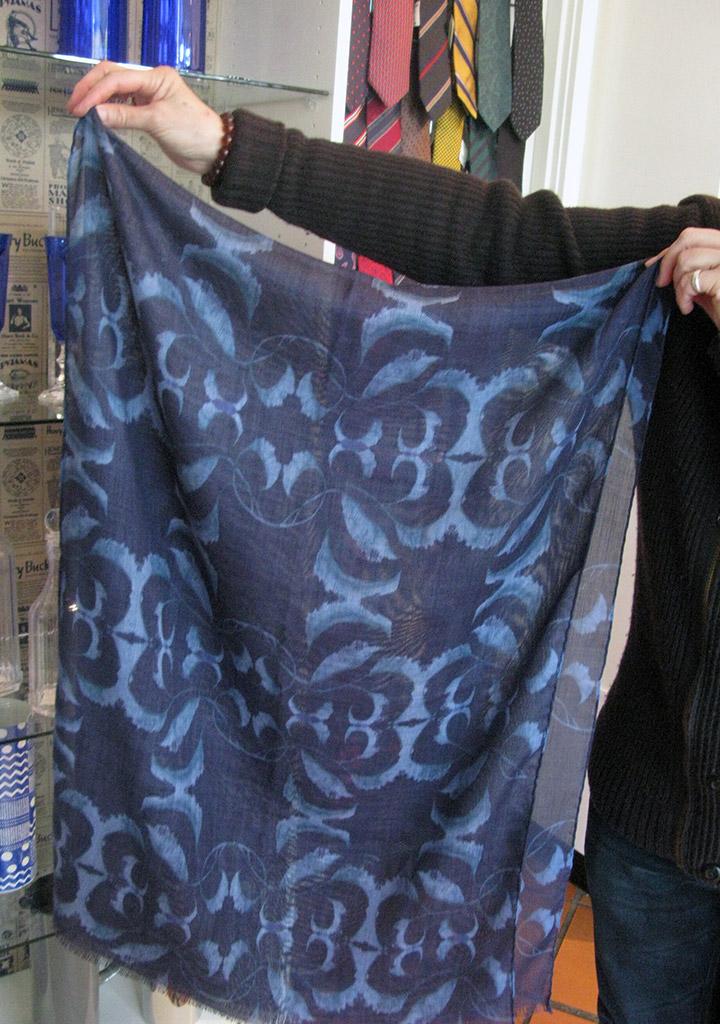Claudia elegans scarf