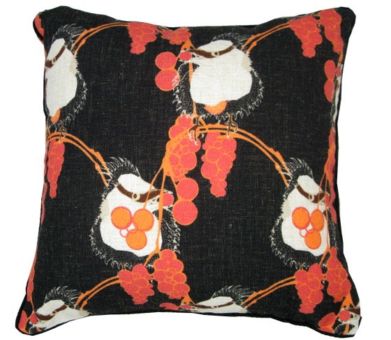 cushion_linen_birds in the berries